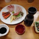 酒場 16番 - 李白特別純米(一合)780円で飲み始めます