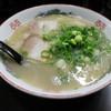 はかた屋たい - 料理写真:ラーメン(650円、斜め上から)