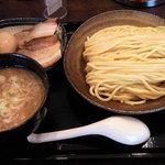 三ツ矢堂製麺 - マル得つけめん(中盛り)、980円