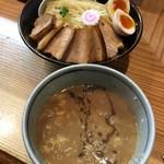 100046206 - 特製つけ麺1,050円+半チャーシュー150円