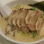 博多天神 - チャーシュー麺
