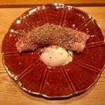 雷庵 - 牛リブロースすき焼き 1人前2700 サマートリュフと地鶏の卵黄つけだれ