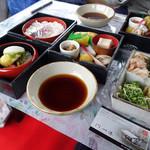 嵐山通船 - 料理写真:弁当(3段重)
