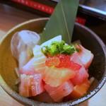 100064730 - 付きだし 新鮮魚と熟成魚