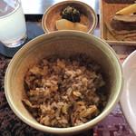 南海グリル - 炒飯、漬物、