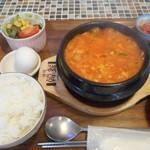 コッテジ - 牡蠣入り豆腐チゲ