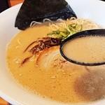 博多ラーメン 琥家 - スープが以前よりかなり濃厚に!
