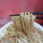 ラーメン二郎 - 麺のできは抜群