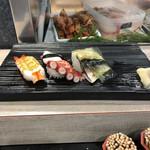 寿司の美登利総本店 - 梅握り 800円