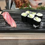 寿司の美登利総本店 - 梅握り最後のかっぱ巻きと追加の大トロ