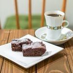 ブルームコーヒー - チョコレートブラウニー、コーヒー