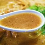 徳島ラーメン 麺八 - やみつきラーメン スープ