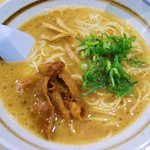 徳島ラーメン 麺八 - やみつきラーメン