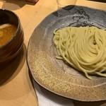 つけ麺屋 やすべえ - 辛味つけ麺小 味玉サービス 780円