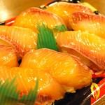 田舎寿し なか山 - 料理写真:漬けカンパチ寿司