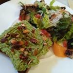 バリオスカフェ - アボカドトーストとサラダ(ランチ)