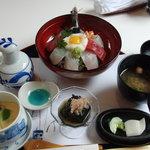 千蔵 - 料理写真:海鮮丼(1,500円)