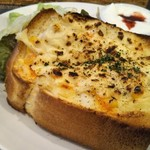 洋食カフェ もみじ堂 - 週替わりピザトースト(モーニング)、この日はポテト&コーン