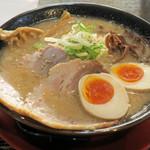 熟成豚骨ラーメン まる金 - 料理写真:特製まる金ラーメン700円
