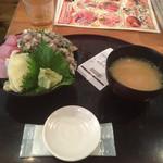 100104378 - あじといわしと地魚丼(大盛り)…880円