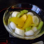 甘味茶屋ぶんご - フルーツ白玉 あっさりして美味しいです
