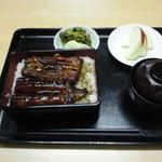 倉田屋食堂 - 料理写真:うな重 \1,750