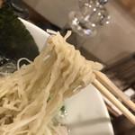 Hakatatorishioraamemmiyabiya - 麺が独特で良い感じ