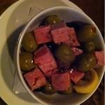 ジャズカフェ ロンドン - 白ハムとオリーブのサラダ