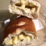 みんなのぱんや - チーズパンの断面