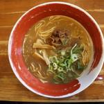 麺王 - 徳島ラーメン(630円、真上から)