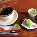 100130313 - 和菓子とコーヒーセット