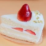 プチプランス - 料理写真:苺のショートケーキ