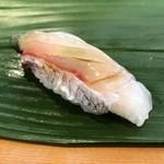 すし屋のやま八 - 鯛昆布〆