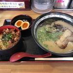 陣屋らーめん - 料理写真:ランチB