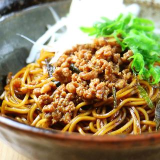 老舗の味の「上海混ぜそば」