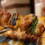 圧倒的串焼き まるまさ - 串焼き5本盛り500円