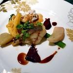 ラビスタ大雪山 - 料理写真:夕食(根室産真鯛のポワレ 旬野菜のグレッグ添え バルサミコソース)
