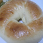 ベーグルU - 優しい甘みを感じるエッグベーグル