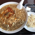 天府城 - 酸辣湯麺と半チャーハン