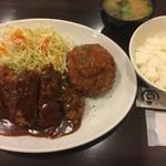 Tonkatsuhiroki - 特選ヒレとんかつ&クリームコロッケ定食(¥1200)