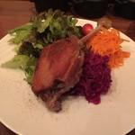 kamekichi bistro - ハンガリー産鴨モモ肉のコンフィとサラダ仕立て(¥1800)