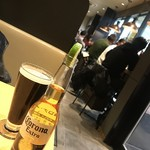 Cafe&Bar DEUR - ビールセット¥1000(税込)のビールと コロナビール¥590(税込)