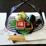 創作日本料理 とものえ亭 - 1月 ランチ懐石コース(先附・前菜)