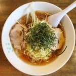 会津喜多方ラーメン蔵 - 冷しスープラーメン(600円、真上から)