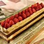 ソマーハウス - チョコショート@しっかりめのショコラジェノワーズにチョコクリーム、大粒の苺