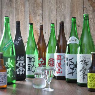 日本酒は常時10種類以上ご用意。豊富なドリンクと共に和食を。
