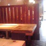 10019400 - カウンターからテーブル席を眺める