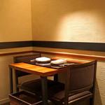 神楽坂 鉄板焼 中むら - テーブル席