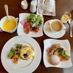 100197877 - 朝食