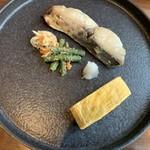 100197880 - 焼き魚の一皿